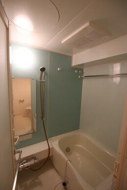 浴室乾燥付のバスルーム