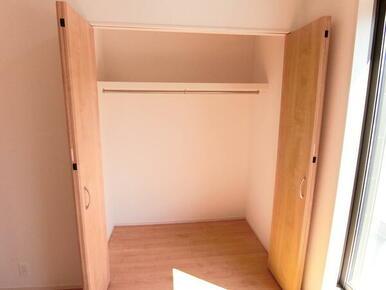 2階洋室7帖 収納