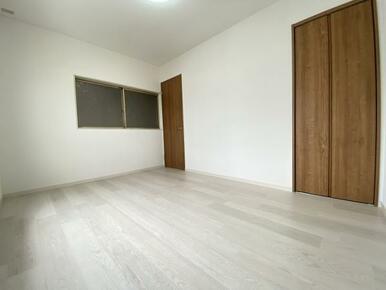 2階北側洋室 別角度です。