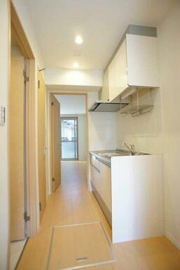 【キッチン】1階ですので床下収納もございます♪ 日用品なども収納できます☆