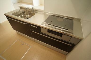 キッチンはビルトインのシステムキッチン仕様♪お料理の幅が広がりますね!