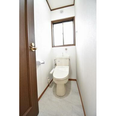 トイレまわりはすっきりとして清潔感あります。