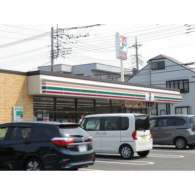 セブンイレブン草加氷川北店