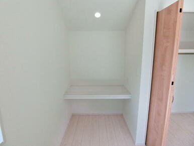 2階 洋室8.75帖 スタディスペース