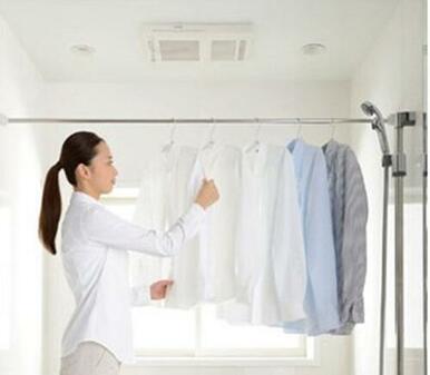 浴室乾燥暖房機。夏は涼風、冬は暖房。快適な空間に。