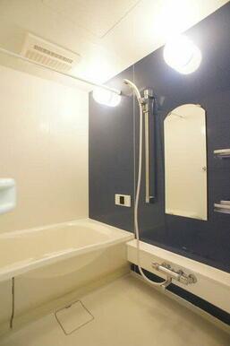 ☆追焚機能に加えて浴室乾燥暖房機つきです!!快適なバスタイムをお過ごしください♪