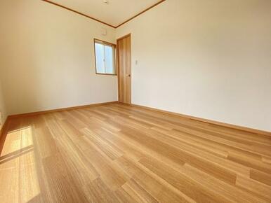 2階 西側洋室別角度です。