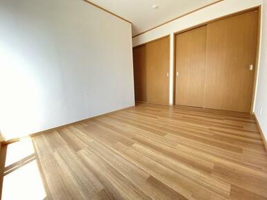 2階 東側洋室の別角度です