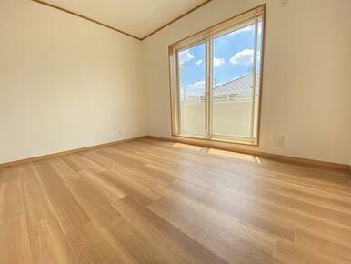 2階 西側洋室です。