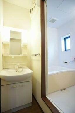 ☆洗面所~浴室☆洗濯機置き場もあります☆