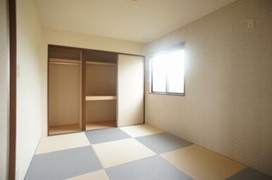 ☆和室収納内部☆奥行きがあり布団や洋服、旅行バックなど収納できます☆