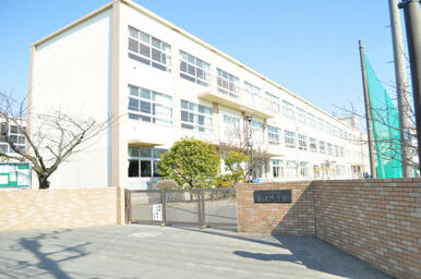 松浪中学校
