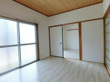 ★明るい居室★