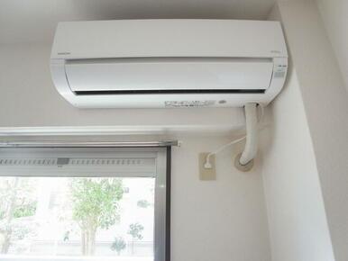 エアコンも付いてます。