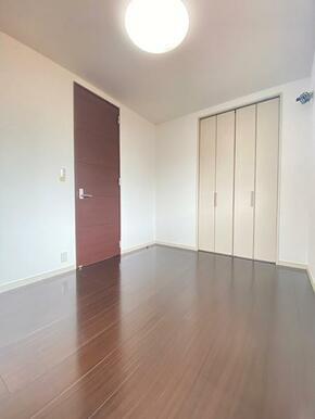 3階 約5.5帖の北側洋室です。